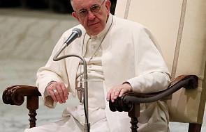 Papież Franciszek o drenażu mózgów