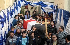 Msza pogrzebowa za ofiary zamachu w Kairze