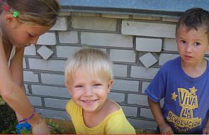 Polscy studenci pomagają bezdomnym dzieciom z Ukrainy
