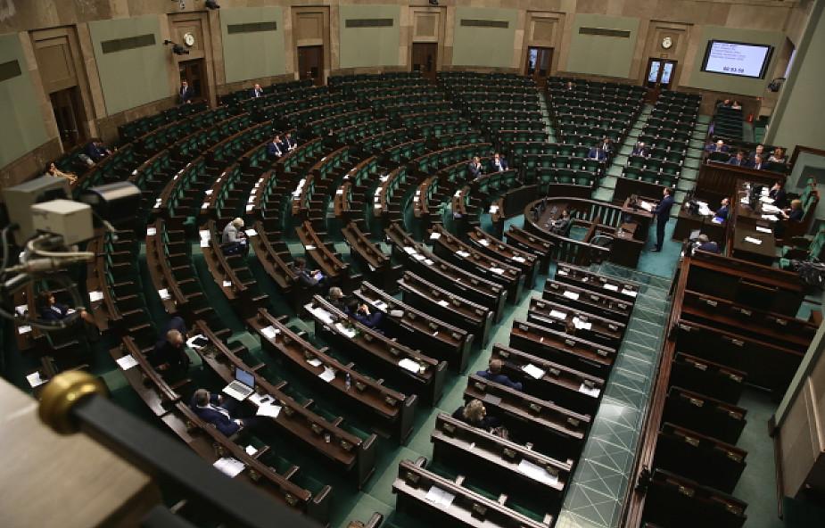 """Sejm debatował nad projektem """"dezubekizacyjnym"""""""