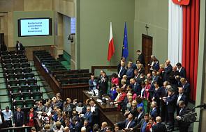 Posłowie opozycji pozostaną w Sejmie do wtorku