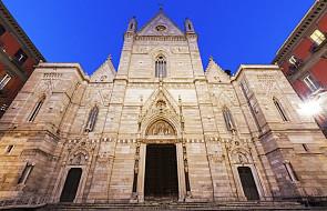 Neapol: obiad dla ubogich w katedrze