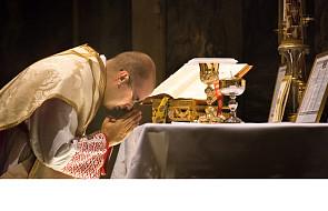 Skąd się wziął post eucharystyczny i po co on jest?