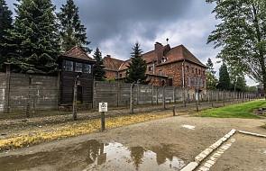 Konserwatorzy oczyszczą wnętrza 40 baraków w obozie Birkenau