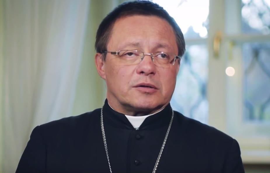 Abp Ryś: dlaczego według Kościoła seks przed ślubem jest grzechem?