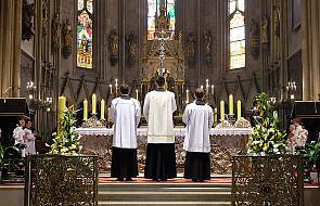 Kard. Sarah o znaczeniu ciszy w liturgii