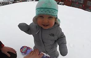 Ma dopiero 14 miesięcy, a już jeździ na snowboardzie! [WIDEO]