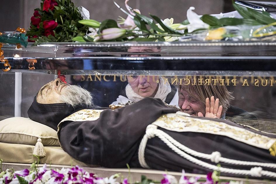 Nietknięte ciało ojca Pio w Rzymie - zdjęcie w treści artykułu nr 3