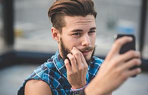 Narcyz na Fejsie: po selfie go poznacie