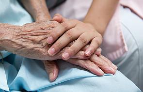 Biskupi ogłosili dokument o medycynie paliatywnej