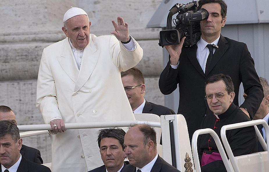 Franciszek: być miłosiernym, to pójść za Jezusem drogą służby