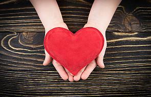 CBOS: religijność sprzyja dobroczynności