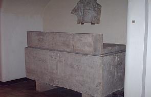 Wybudowano nowy grób dla papieża