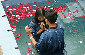 Chiny: 20 tysięcy ochrzczonych w Wigilię Paschalną