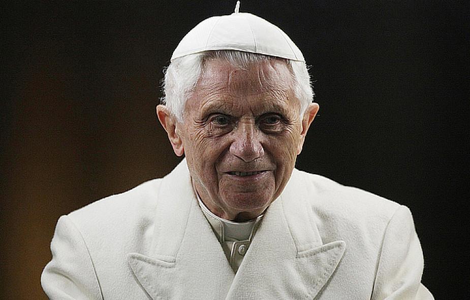 Benedykt XVI: umrzeć w Wielkanoc to dar Boży