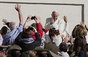 Papież Franciszek na czele rankingu zaufania
