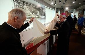 Odsłonięcie relikwii - kajaka św. Jana Pawła II