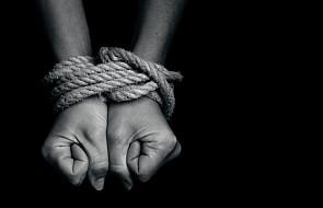 Watykan: handel ludźmi związany z migracją