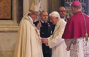 Franciszek apeluje o modlitwę za Benedykta XVI