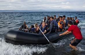 Minister wskakuje do morza, by zrozumieć migrantów