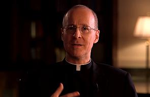 Co umyka niektórym krytykom adhortacji Franciszka?