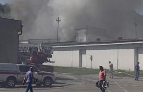 Chorzów: pożar hali produkcyjnej z chemikaliami