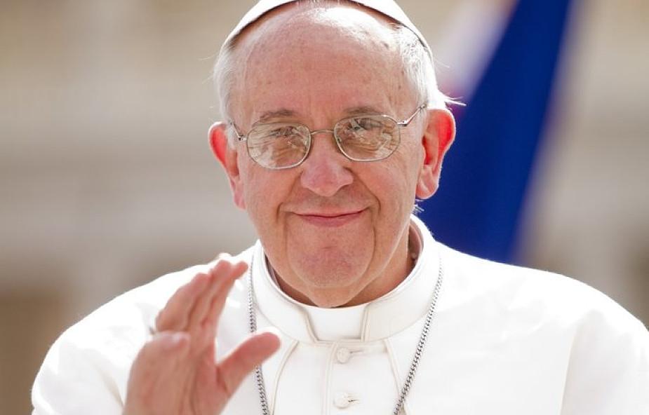 Niezwykły gest papieża wobec niesłyszących dzieci