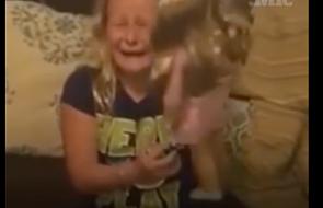 Wzruszająca reakcja dziewczynki podbiła internet [WIDEO]