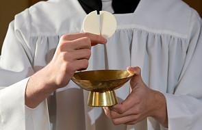ŚDM: potrzeba jeszcze 2 tys. szafarzy Komunii św.