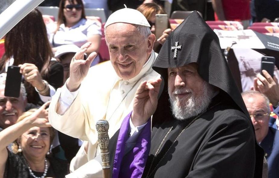 Armenia: papież odwiedził dwie katedry w Giumri