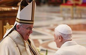 Franciszek i Benedykt XVI na wspólnej uroczystości