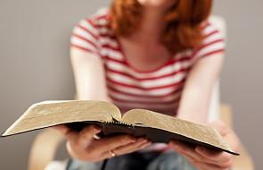 5 biblijnych sentencji, które przybliżają do Boga