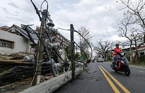 Chiny: dziewięć ofiar śmiertelnych tajfunu