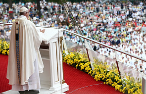 """""""Bóg nas zbawia, stając się małym, bliskim i konkretnym"""""""