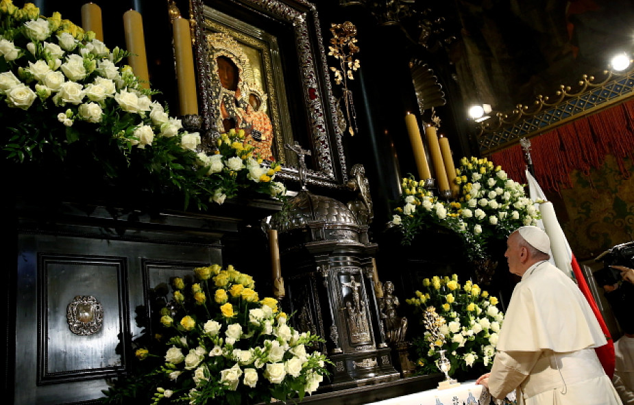 Franciszek podarował Jasnej Górze złotą różę