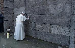 Niemiecka prasa o milczeniu papieża w Auschwitz