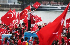 Zwolennicy Erdogana zbierają się na demonstracji w Kolonii