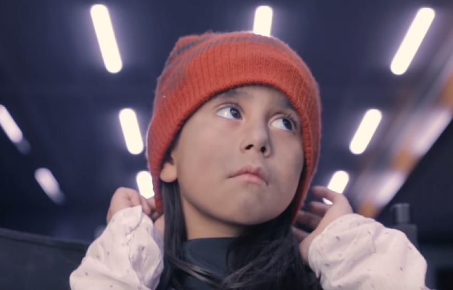 Po tym filmie zmienisz podejście do dzieci, które proszą o pomoc na ulicy [WIDEO]