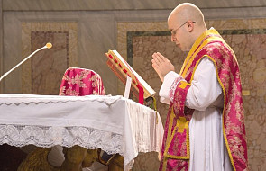Kard. Sarah wzywa do reformy liturgicznej
