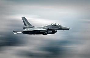 Pierwsze naloty sił USA na cele IS w Syrcie