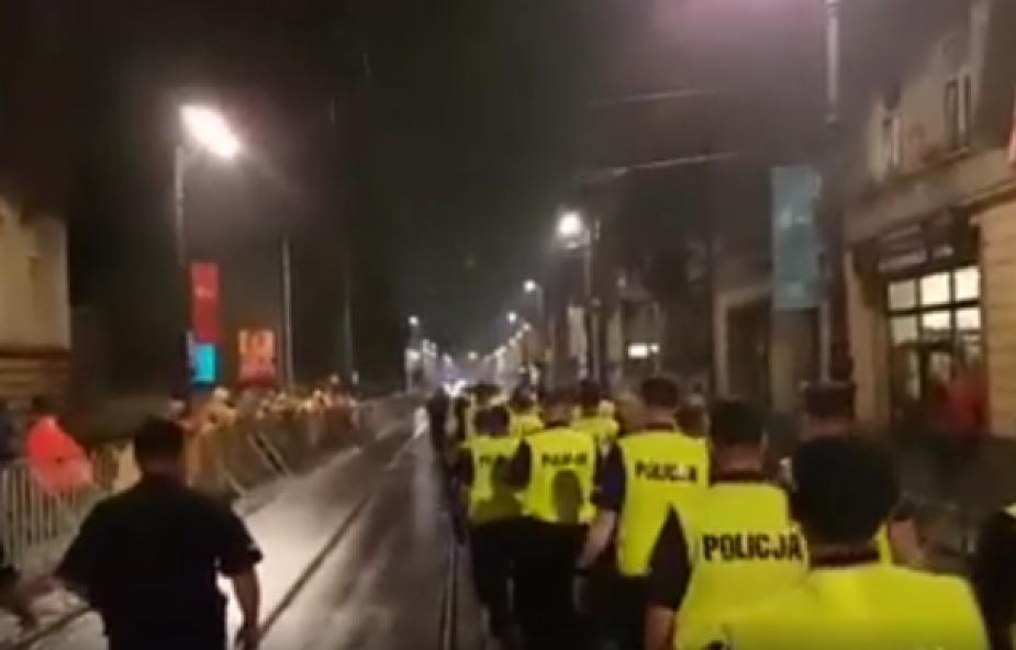 Pielgrzymi dziękują polskim policjantom