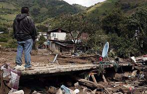 Franciszek modli się za ofiary huraganu Earl