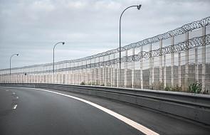 Rozpoczęto budowę żelbetowego muru w Calais
