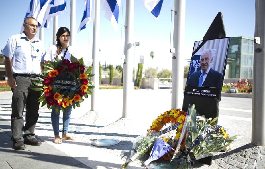 Izraelczycy składają hołd Szimonowi Peresowi