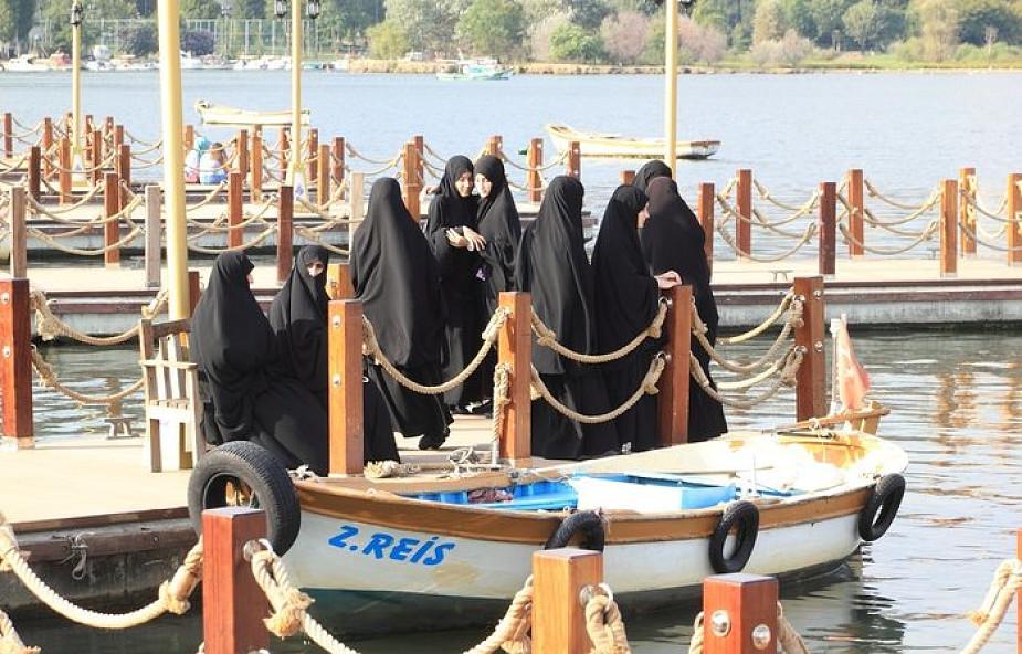 Bułgaria: wprowadzono zakaz noszenia burek