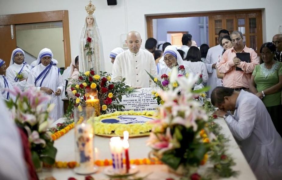 Misjonarki Miłosierdzia pielgrzymowały do grobu św. Matki Teresy