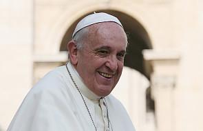 Papież Franciszek na Twitterze o migrantach