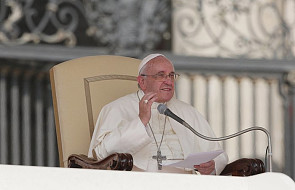 Papież: być świadkami nie oznacza być świętymi