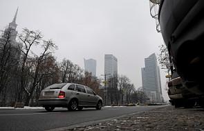 Smogowy szlaban dla samochodów w miastach