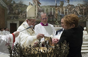 Papież: chrzest wyznacza drogę wiary i miłości